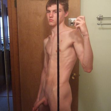 Hot Naked Guy Take Pic Of His Self