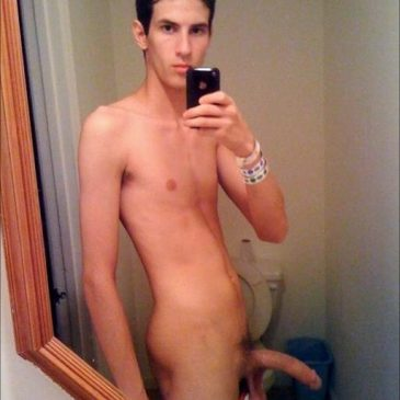 Hottie Guy Take Pic Of His Naked Body And Hard Dick