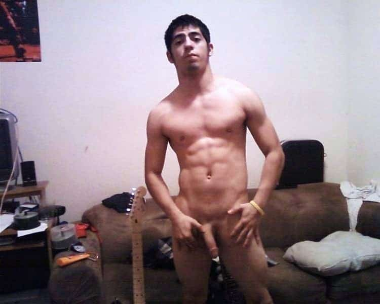 Hottie Guy With Sexy Body Naked On Cam