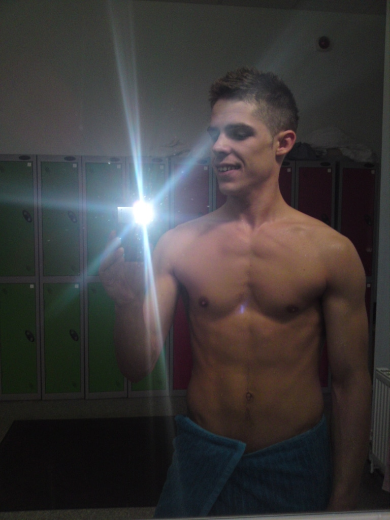 Hunk Dude Went Topless Show Hot Body