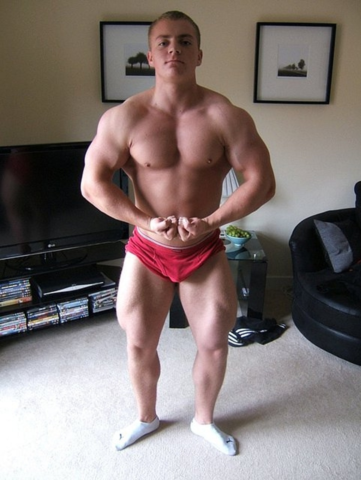 Sexy Muscle Teen Boy Posing For The Cam