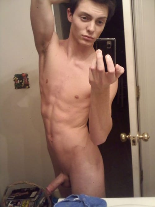 Nude Phone Cam Boy Taking Self Pics